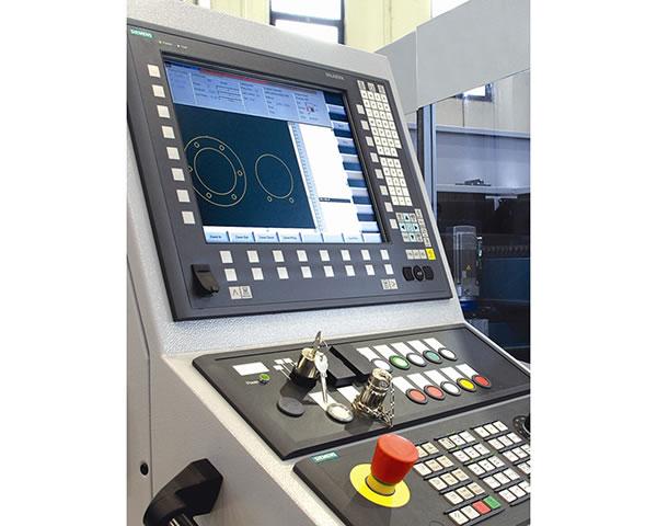 آلة التخريم البرجية CNC الهيدروليكية MAX SF-30T