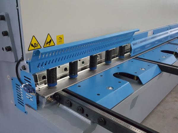 آلة قص CNC هيدروليكية
