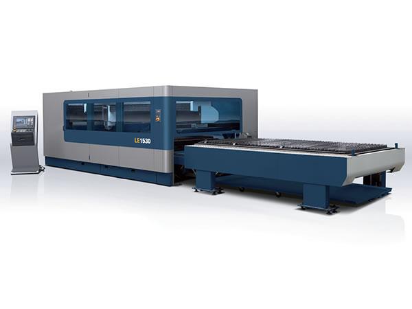 آلة القطع بليزر الألياف ذات الطاقة العالية (3Kw)