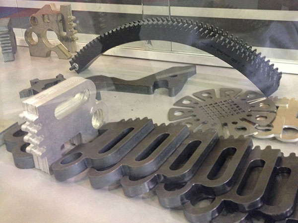 آلة قطع بليزر الألياف