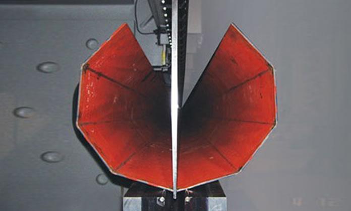 خط إنتاج أوتوماتيكي لعمود الإنارة الفولاذي